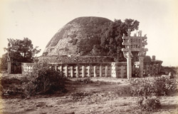 The great Budhist [sic] Tope at Sanchi (before restoration)